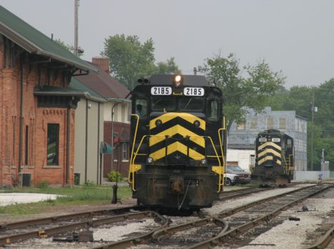 INER 2185 sits in front of the Hillsdale depot.  2003  [Dale Berry]